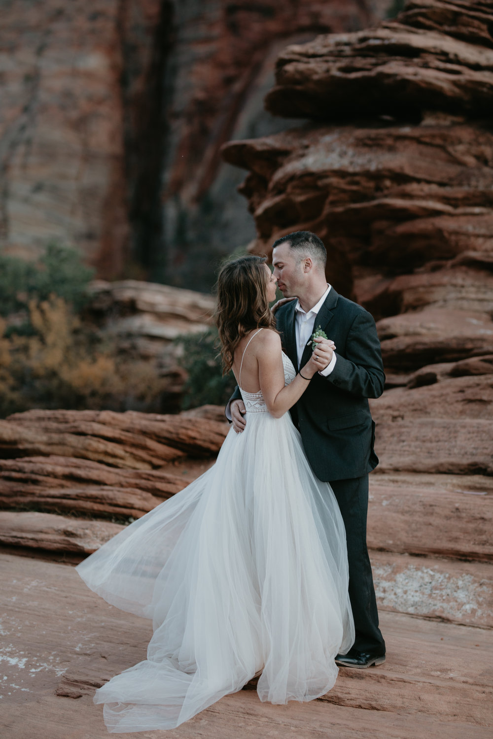 nicole-daacke-photography-zion-national-park-elopement-photographer-canyon-overlook-trail-elope-hiking-adventure-wedding-photos-fall-utah-red-rock-canyon-stgeorge-eloping-photographer-86.jpg