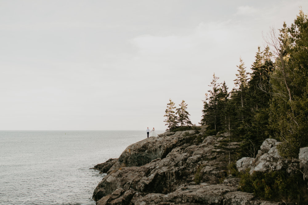 nicole-daacke-photography-acadia-national-park-elopement-photographer-adventurous-schoonic-head-otter-cliffs-bar-harbor-adventurous-elopement-photos-in-maine-intimate-wedding-photography-8.jpg