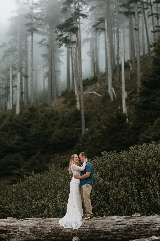 nicole-daacke-photography-ecola-state-park-oregon-elopement-bridal-photos-photographer-for-cannon-beach-elopement-oregon-coast-elopement-photographer-foggy-summer-elopement-cannon-beach-best-adventure-elopement-photographer-5578.jpg