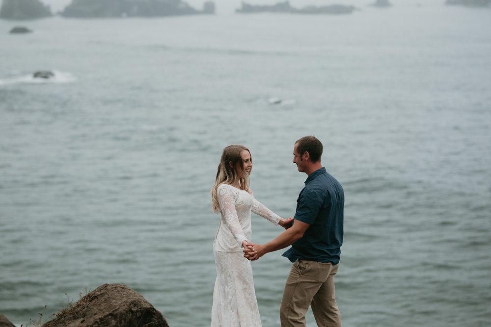 nicole-daacke-photography-ecola-state-park-oregon-elopement-bridal-photos-photographer-for-cannon-beach-elopement-oregon-coast-elopement-photographer-foggy-summer-elopement-cannon-beach-best-adventure-elopement-photographer-5596.jpg