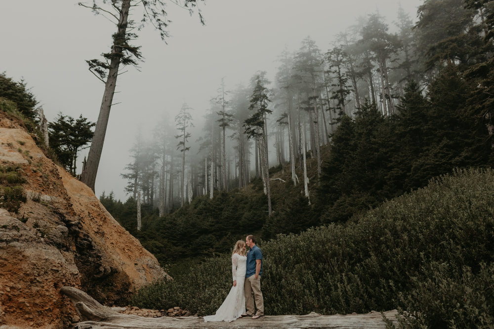 nicole-daacke-photography-ecola-state-park-oregon-elopement-bridal-photos-photographer-for-cannon-beach-elopement-oregon-coast-elopement-photographer-foggy-summer-elopement-cannon-beach-best-adventure-elopement-photographer-6933.jpg