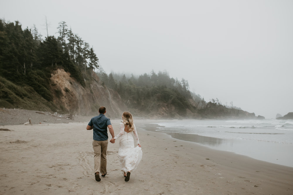 nicole-daacke-photography-ecola-state-park-oregon-elopement-bridal-photos-photographer-for-cannon-beach-elopement-oregon-coast-elopement-photographer-foggy-summer-elopement-cannon-beach-best-adventure-elopement-photographer-6950.jpg