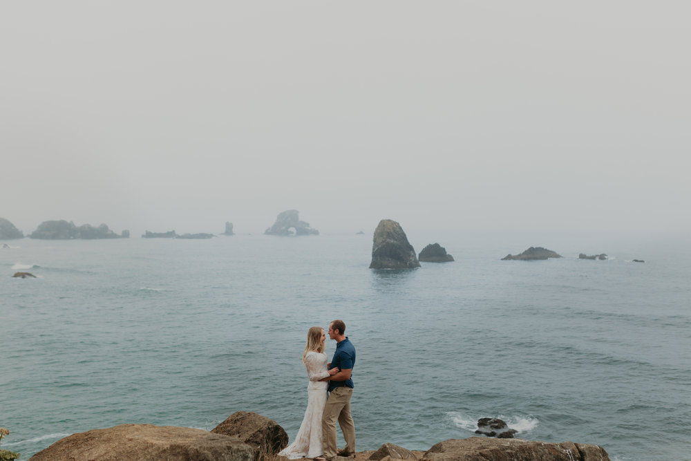 nicole-daacke-photography-ecola-state-park-oregon-elopement-bridal-photos-photographer-for-cannon-beach-elopement-oregon-coast-elopement-photographer-foggy-summer-elopement-cannon-beach-best-adventure-elopement-photographer-6985.jpg