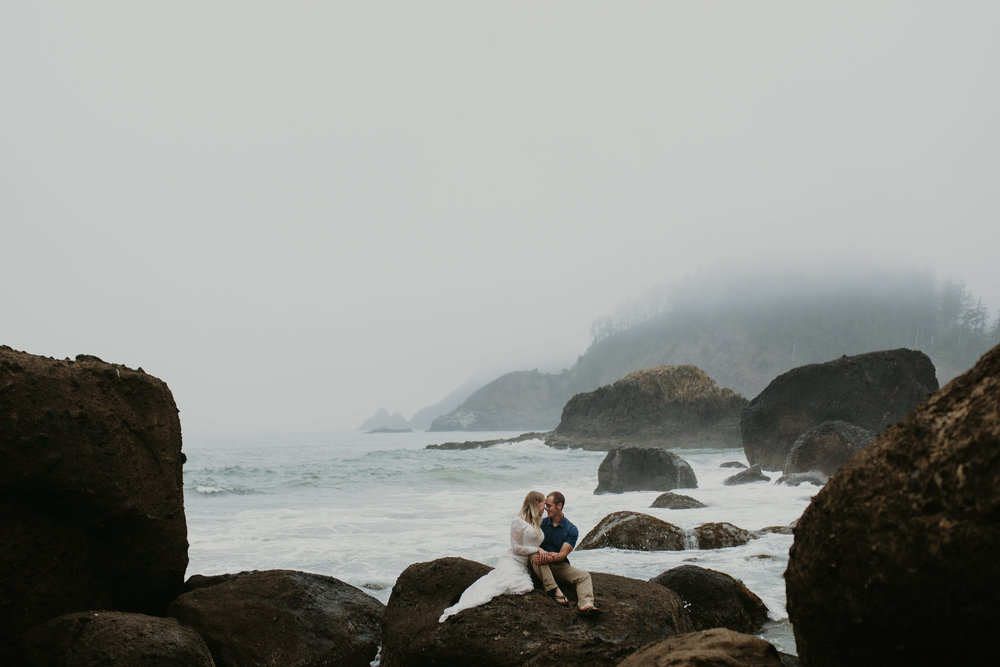 nicole-daacke-photography-ecola-state-park-oregon-elopement-bridal-photos-photographer-for-cannon-beach-elopement-oregon-coast-elopement-photographer-foggy-summer-elopement-cannon-beach-best-adventure-elopement-photographer-7032.jpg