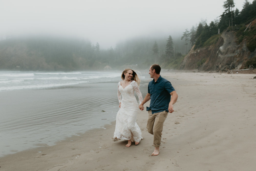 nicole-daacke-photography-ecola-state-park-oregon-elopement-bridal-photos-photographer-for-cannon-beach-elopement-oregon-coast-elopement-photographer-foggy-summer-elopement-cannon-beach-best-adventure-elopement-photographer-7060.jpg