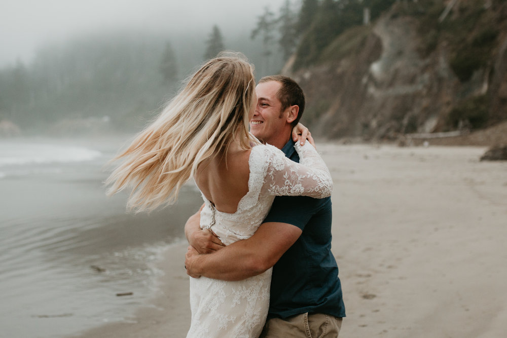 nicole-daacke-photography-ecola-state-park-oregon-elopement-bridal-photos-photographer-for-cannon-beach-elopement-oregon-coast-elopement-photographer-foggy-summer-elopement-cannon-beach-best-adventure-elopement-photographer-7063.jpg