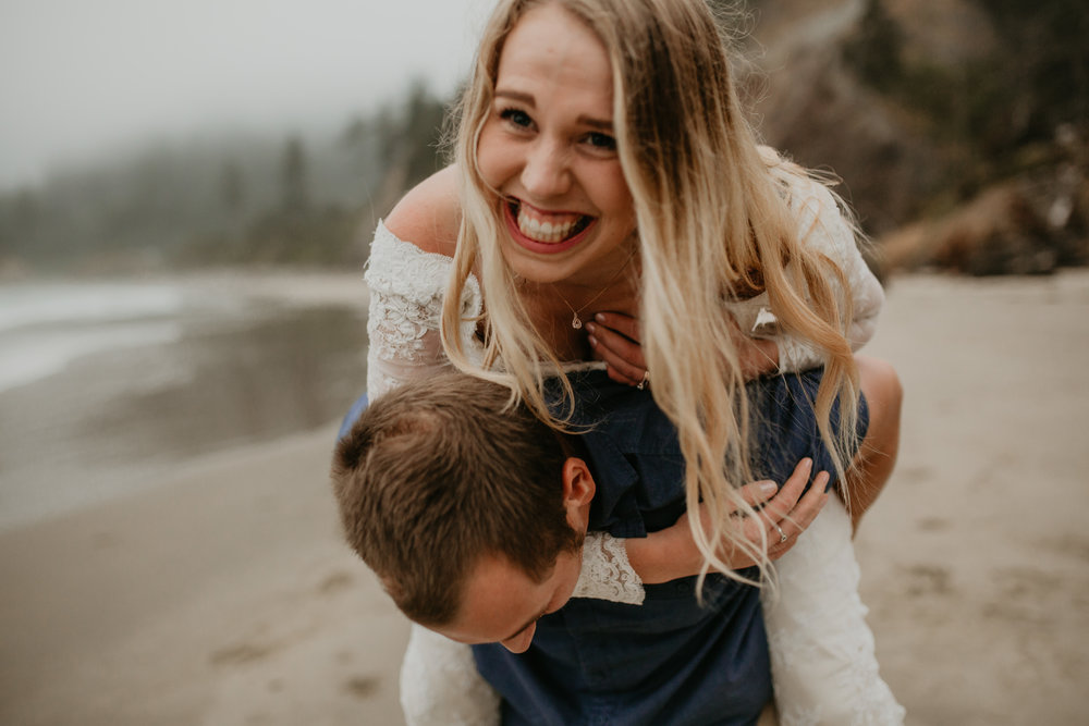 nicole-daacke-photography-ecola-state-park-oregon-elopement-bridal-photos-photographer-for-cannon-beach-elopement-oregon-coast-elopement-photographer-foggy-summer-elopement-cannon-beach-best-adventure-elopement-photographer-7087.jpg