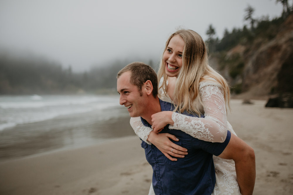 nicole-daacke-photography-ecola-state-park-oregon-elopement-bridal-photos-photographer-for-cannon-beach-elopement-oregon-coast-elopement-photographer-foggy-summer-elopement-cannon-beach-best-adventure-elopement-photographer-7090.jpg