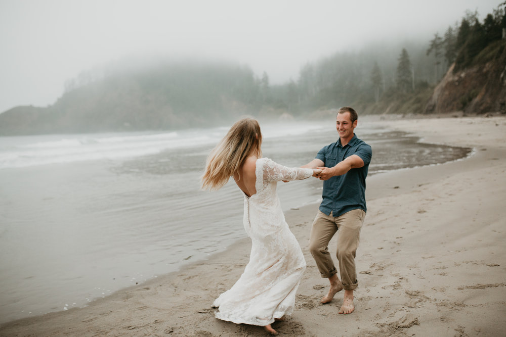 nicole-daacke-photography-ecola-state-park-oregon-elopement-bridal-photos-photographer-for-cannon-beach-elopement-oregon-coast-elopement-photographer-foggy-summer-elopement-cannon-beach-best-adventure-elopement-photographer-7132.jpg