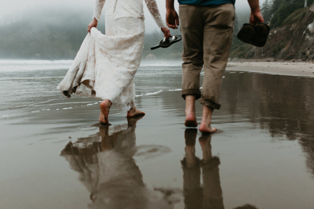 nicole-daacke-photography-ecola-state-park-oregon-elopement-bridal-photos-photographer-for-cannon-beach-elopement-oregon-coast-elopement-photographer-foggy-summer-elopement-cannon-beach-best-adventure-elopement-photographer-7146.jpg