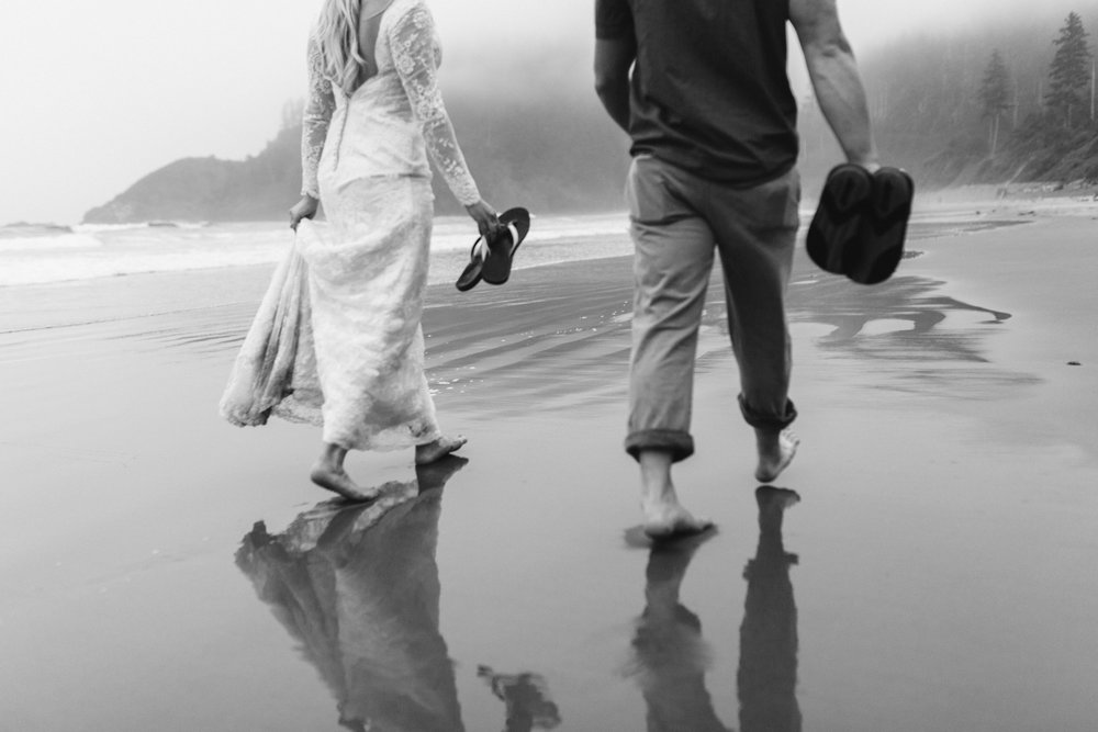 nicole-daacke-photography-ecola-state-park-oregon-elopement-bridal-photos-photographer-for-cannon-beach-elopement-oregon-coast-elopement-photographer-foggy-summer-elopement-cannon-beach-best-adventure-elopement-photographer-7149.jpg