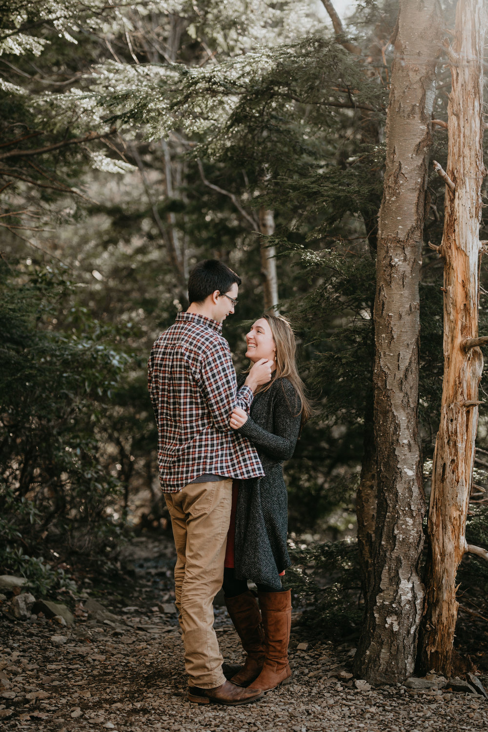 nicole-daacke-photography-shenandoah-national-park-adventure-engagement-session-with-fall-foliage-shenandoah-elopement-photographer-engagement-photos-in-virginia-charlottesville-national-park-adventure-elopement-photographer-3558.jpg