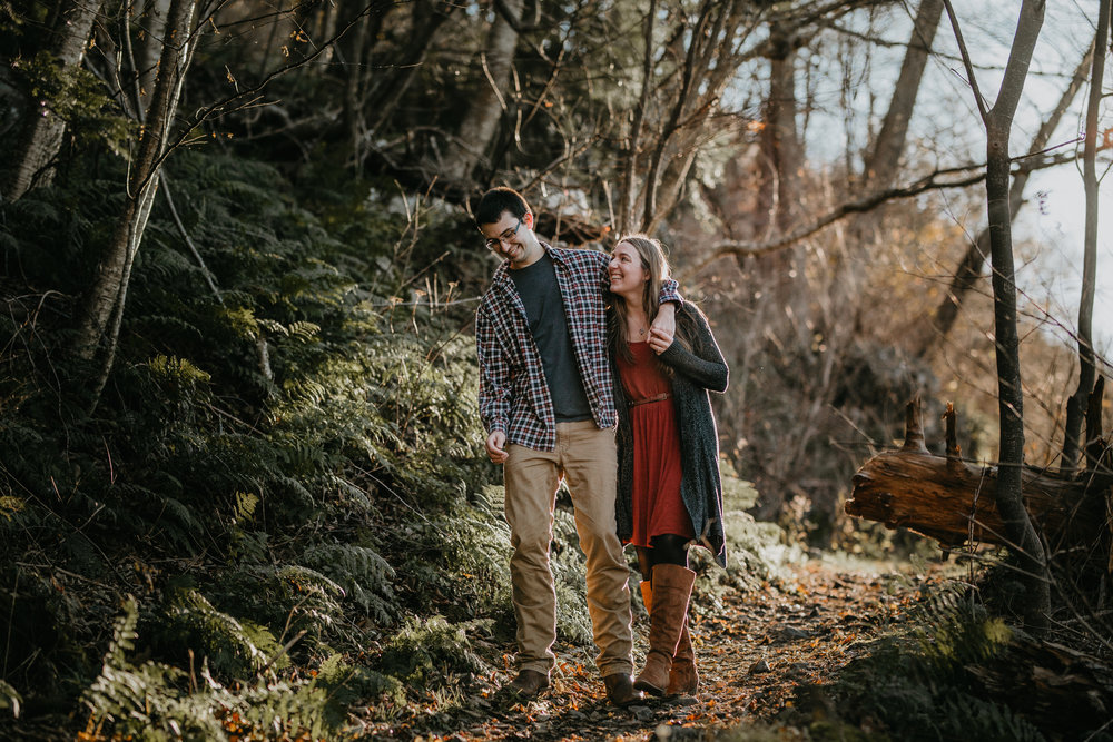 nicole-daacke-photography-shenandoah-national-park-adventure-engagement-session-with-fall-foliage-shenandoah-elopement-photographer-engagement-photos-in-virginia-charlottesville-national-park-adventure-elopement-photographer-3661.jpg
