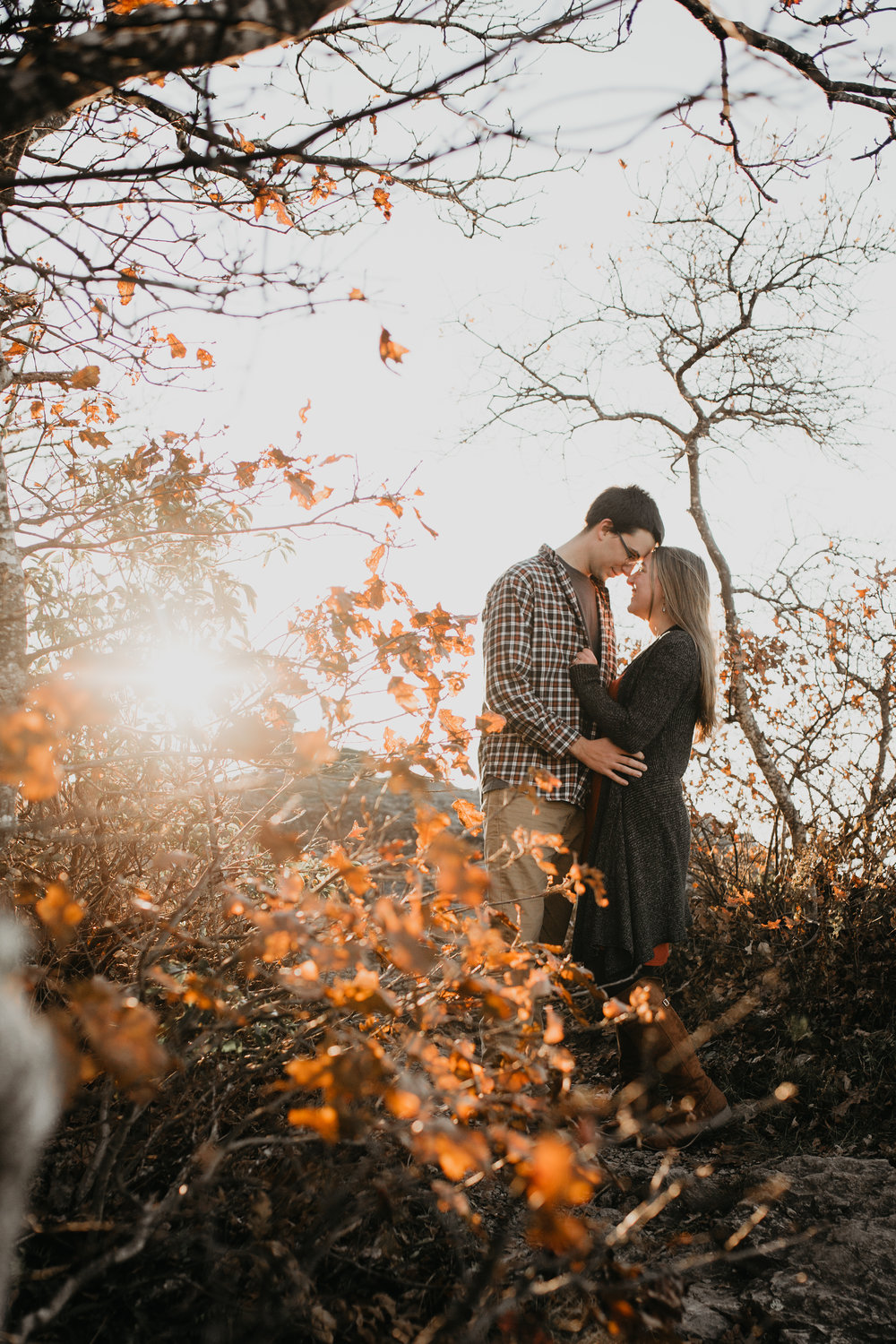 nicole-daacke-photography-shenandoah-national-park-adventure-engagement-session-with-fall-foliage-shenandoah-elopement-photographer-engagement-photos-in-virginia-charlottesville-national-park-adventure-elopement-photographer-3684.jpg