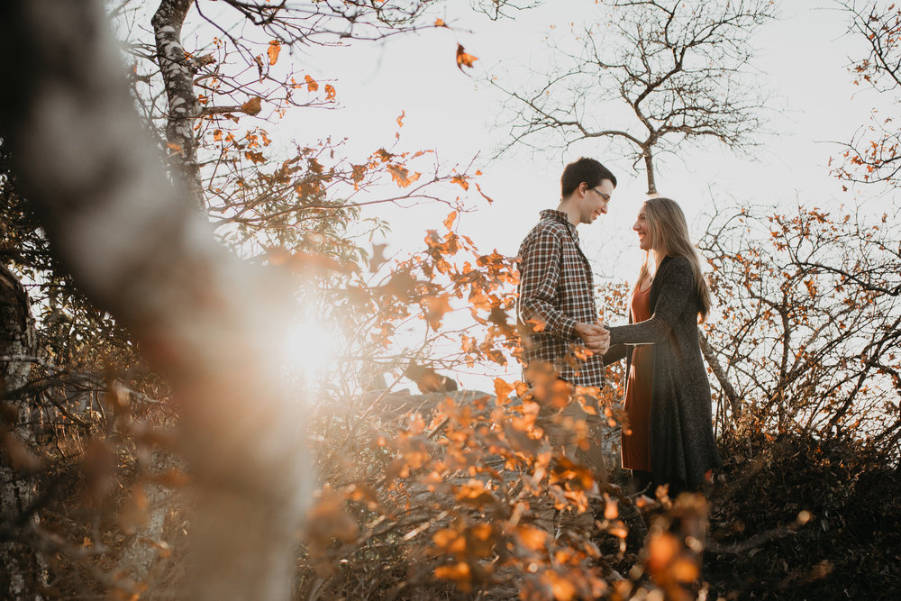 nicole-daacke-photography-shenandoah-national-park-adventure-engagement-session-with-fall-foliage-shenandoah-elopement-photographer-engagement-photos-in-virginia-charlottesville-national-park-adventure-elopement-photographer-3690.jpg