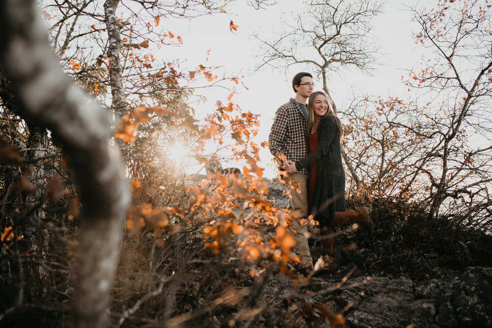 nicole-daacke-photography-shenandoah-national-park-adventure-engagement-session-with-fall-foliage-shenandoah-elopement-photographer-engagement-photos-in-virginia-charlottesville-national-park-adventure-elopement-photographer-3707.jpg
