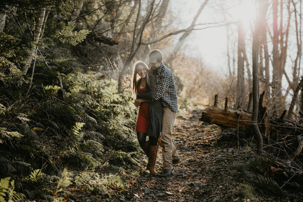 nicole-daacke-photography-shenandoah-national-park-adventure-engagement-session-with-fall-foliage-shenandoah-elopement-photographer-engagement-photos-in-virginia-charlottesville-national-park-adventure-elopement-photographer-3750.jpg