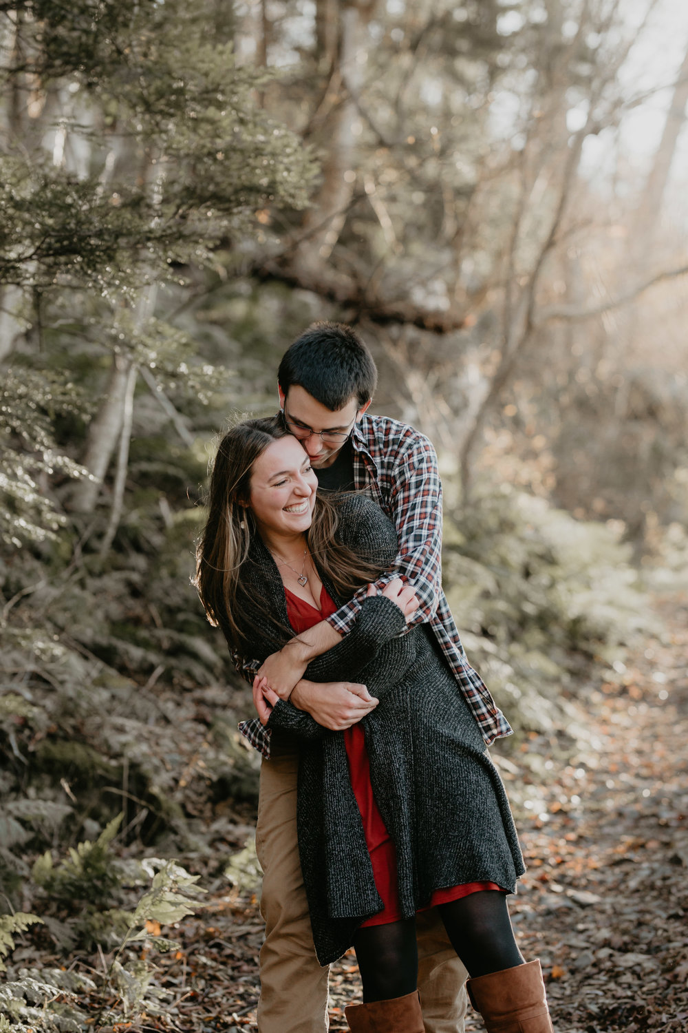 nicole-daacke-photography-shenandoah-national-park-adventure-engagement-session-with-fall-foliage-shenandoah-elopement-photographer-engagement-photos-in-virginia-charlottesville-national-park-adventure-elopement-photographer-3786.jpg