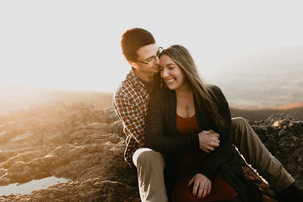 nicole-daacke-photography-shenandoah-national-park-adventure-engagement-session-with-fall-foliage-shenandoah-elopement-photographer-engagement-photos-in-virginia-charlottesville-national-park-adventure-elopement-photographer-3831.jpg