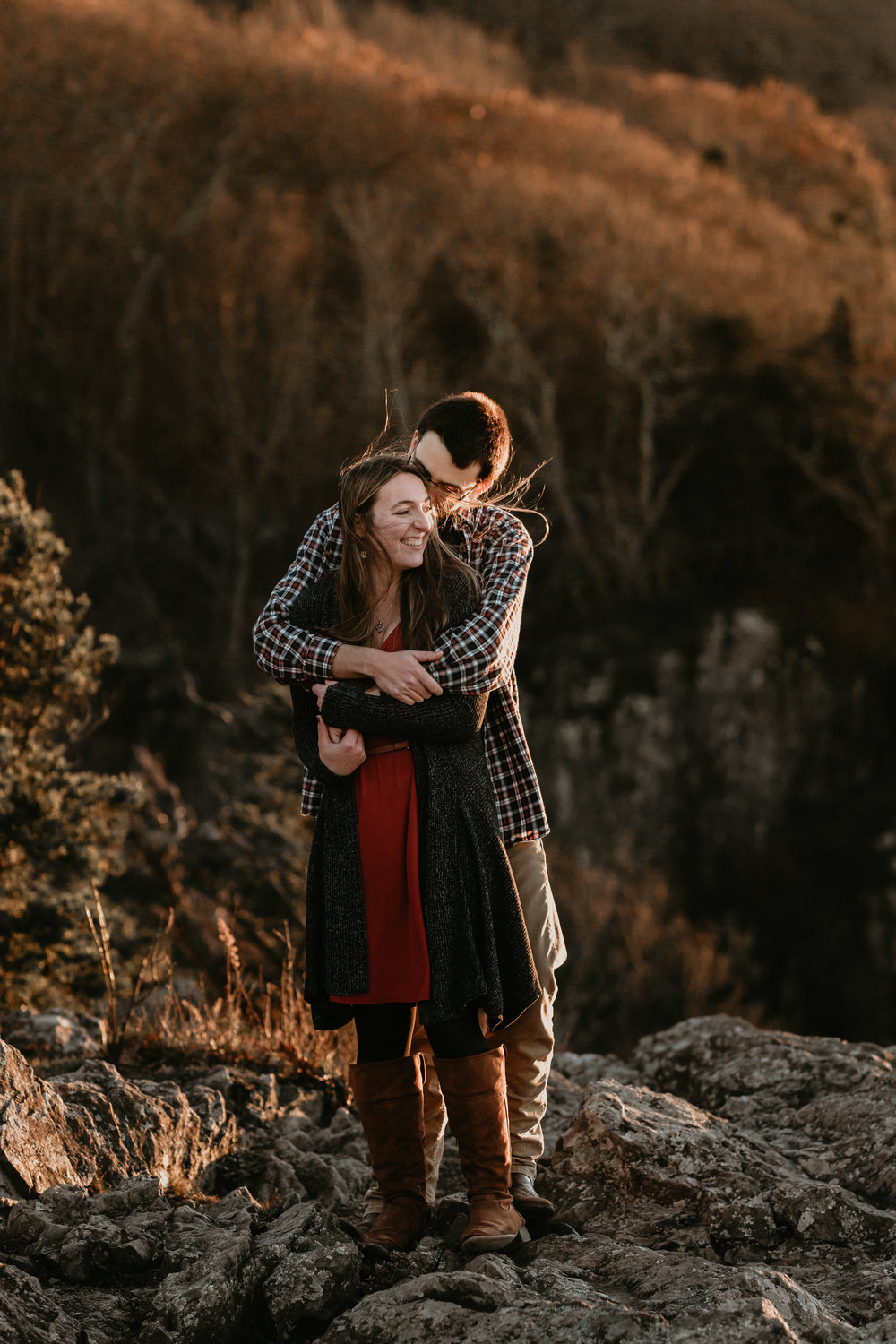 nicole-daacke-photography-shenandoah-national-park-adventure-engagement-session-with-fall-foliage-shenandoah-elopement-photographer-engagement-photos-in-virginia-charlottesville-national-park-adventure-elopement-photographer-3937.jpg