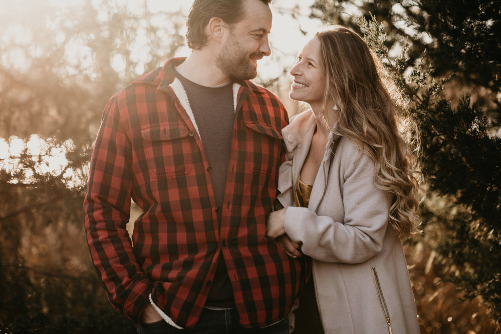 nicole-daacke-photography-white-cliffs-of-conoy-in-lancaster-pa-pennsylvania-adventure-session-adventure-elopement-photographer-engagement session-in-lancaster-pa-photographer-golden-sunset-winter-solstice-wedding-riverside-elopement-4777.jpg
