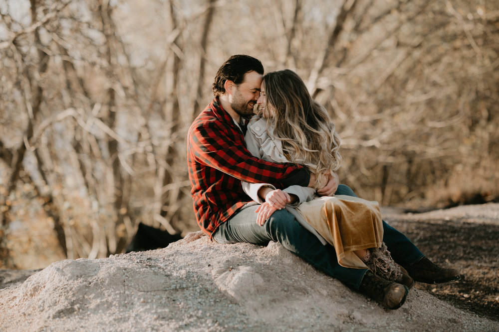 nicole-daacke-photography-white-cliffs-of-conoy-in-lancaster-pa-pennsylvania-adventure-session-adventure-elopement-photographer-engagement session-in-lancaster-pa-photographer-golden-sunset-winter-solstice-wedding-riverside-elopement-4936.jpg
