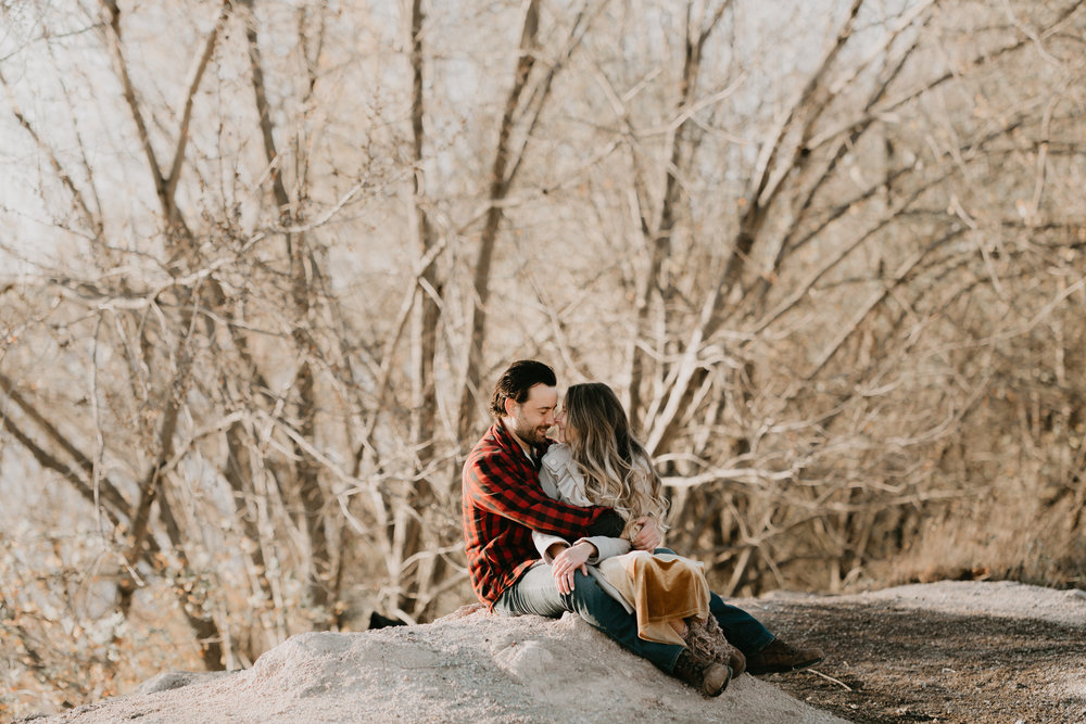 nicole-daacke-photography-white-cliffs-of-conoy-in-lancaster-pa-pennsylvania-adventure-session-adventure-elopement-photographer-engagement session-in-lancaster-pa-photographer-golden-sunset-winter-solstice-wedding-riverside-elopement-4945.jpg