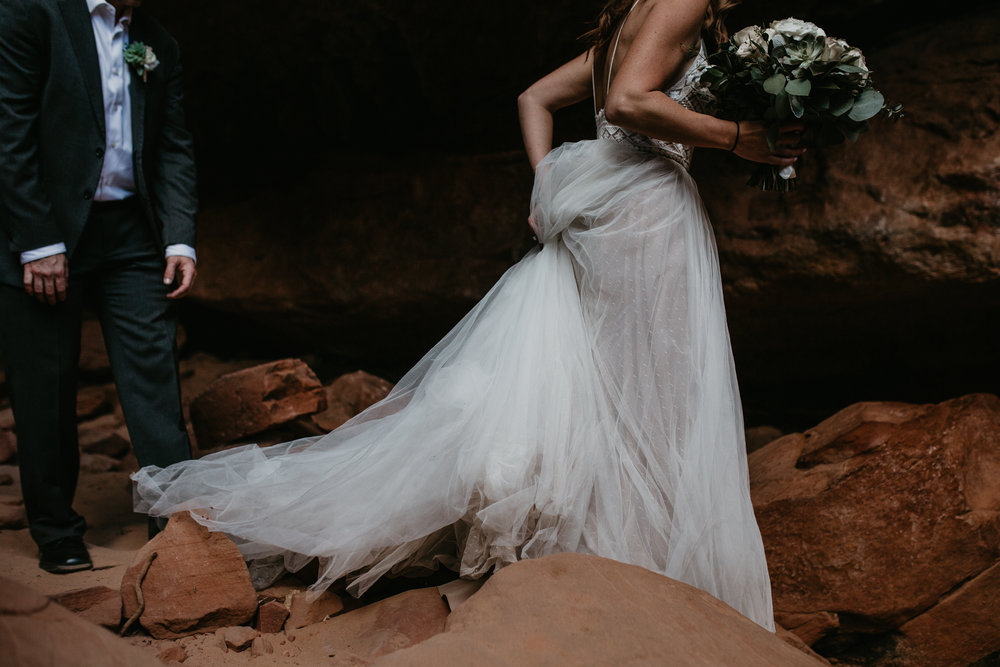 zion-national-park-elopement-photographer-adventure-adventurous-elopement-photographer-photography-in-national-parks-utah-red-rock-sunset-canyon-trail-destination-intimate-wedding-photos-14.jpg