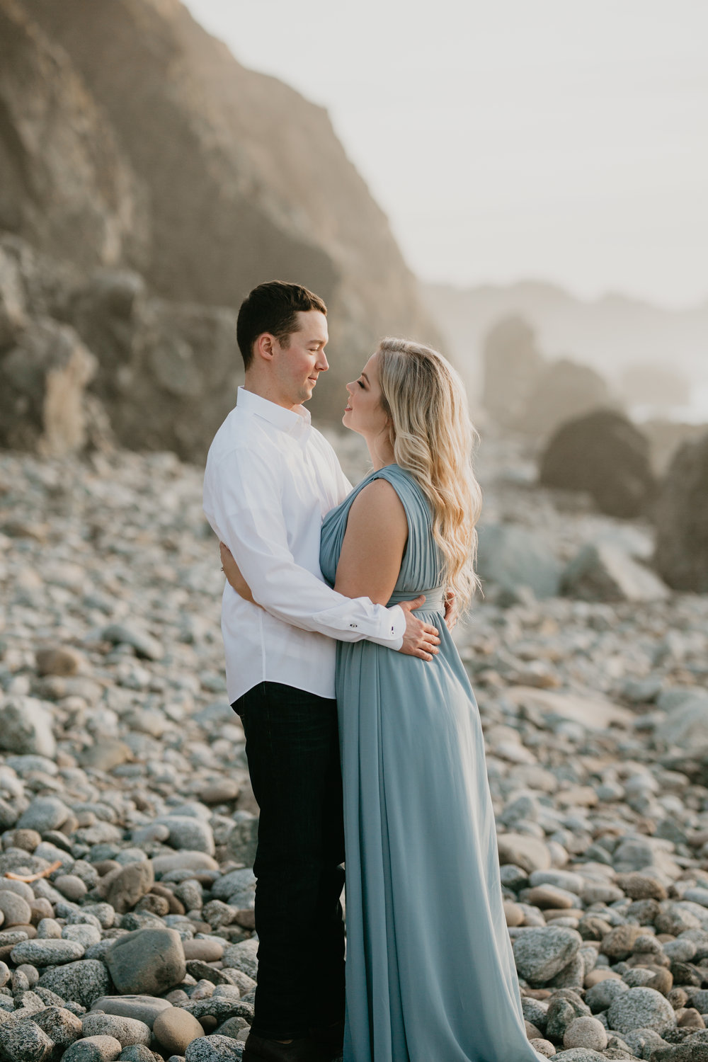 Nicole-Daacke-Photography-big-sur-garrapatta-state-park-adventurous-engagement-session-bixy-bridge-elopement-big-sur-wedding-photographer-monterey-elopement-photographer-california-golden-sunset-coast-photos-30.jpg