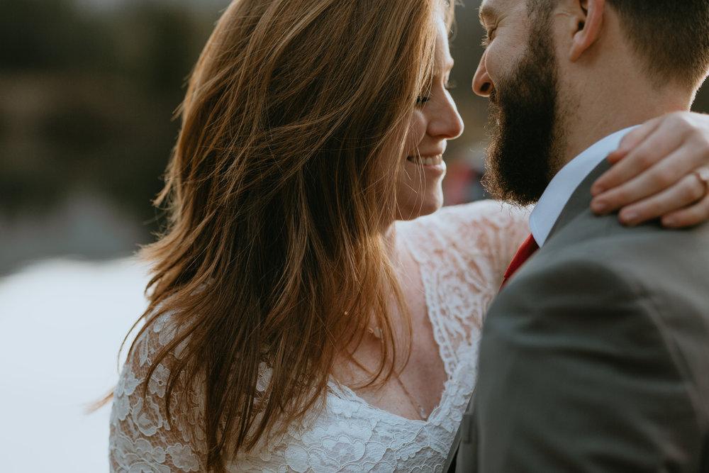 nicole-daacke-photography-mountain-view-elopement-at-gold-creek-pond-snoqualmie-washington-wa-elopement-photographer-photography-adventure-elopement-in-washington-fall-lakeside-golden-sunset-boho-fun-bride-2769.jpg