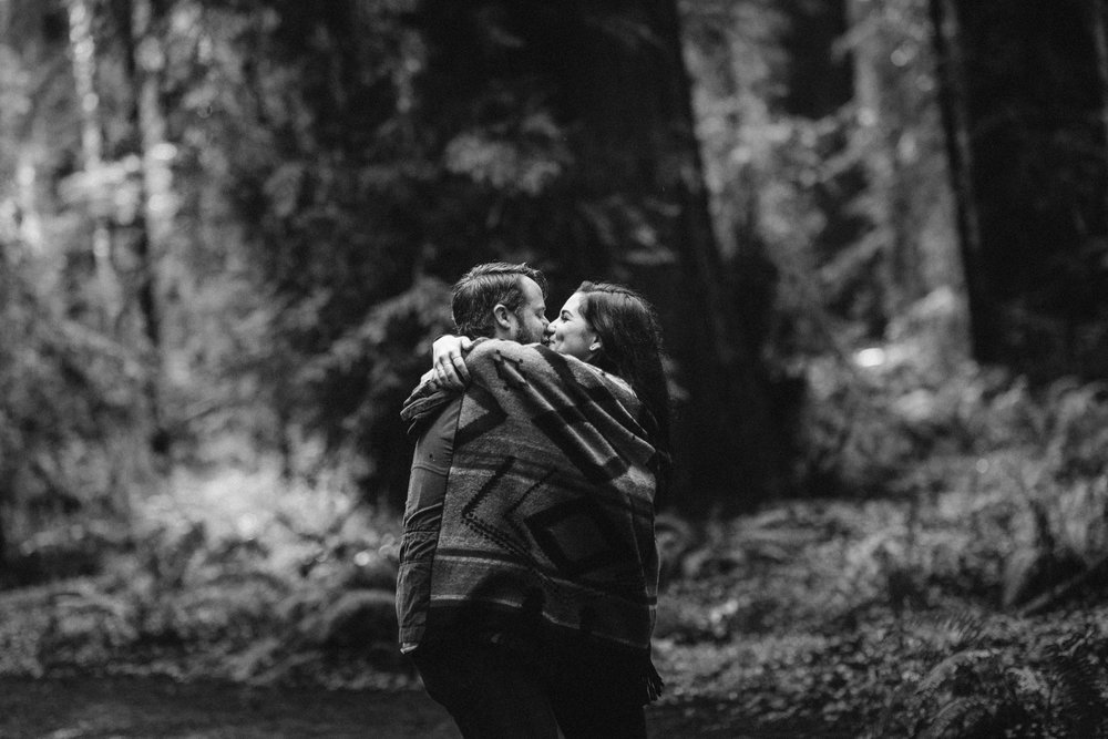 nicole-daacke-photography-redwoods-national-park-forest-rainy-foggy-adventure-engagement-session-humboldt-county-old-growth-redwood-tree-elopement-intimate-wedding-photographer-13.jpg