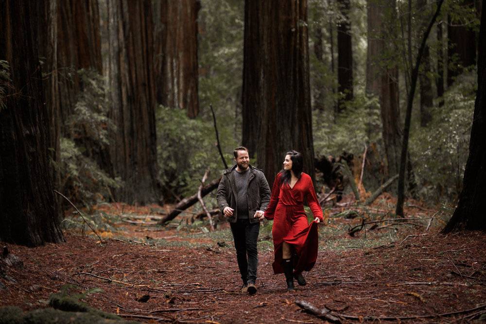 nicole-daacke-photography-redwoods-national-park-forest-rainy-foggy-adventure-engagement-session-humboldt-county-old-growth-redwood-tree-elopement-intimate-wedding-photographer-32.jpg