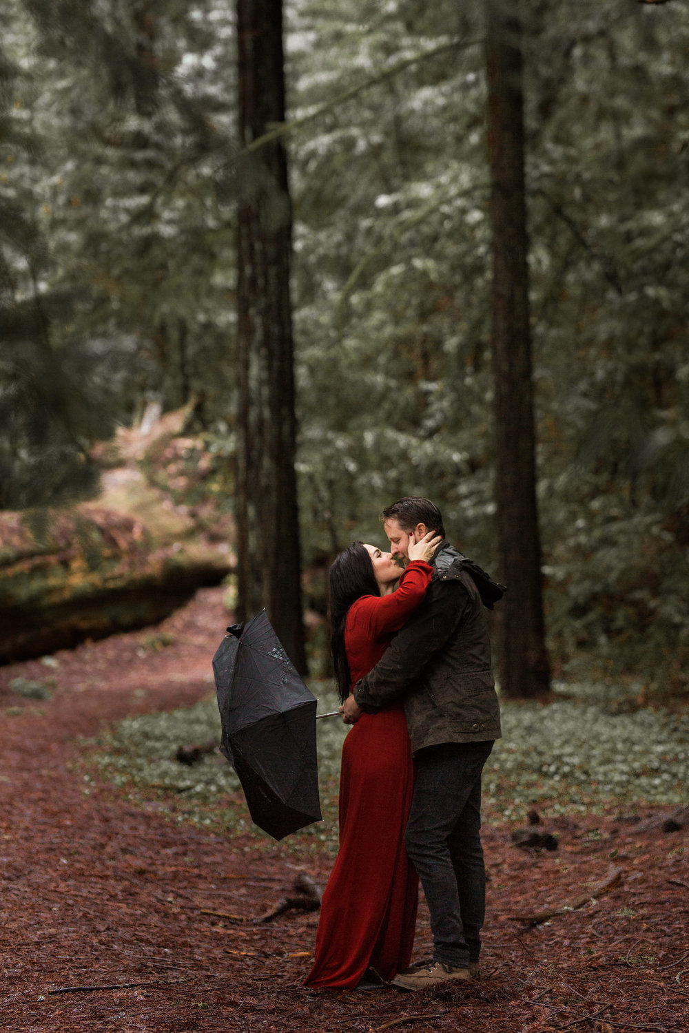 nicole-daacke-photography-redwoods-national-park-forest-rainy-foggy-adventure-engagement-session-humboldt-county-old-growth-redwood-tree-elopement-intimate-wedding-photographer-41.jpg