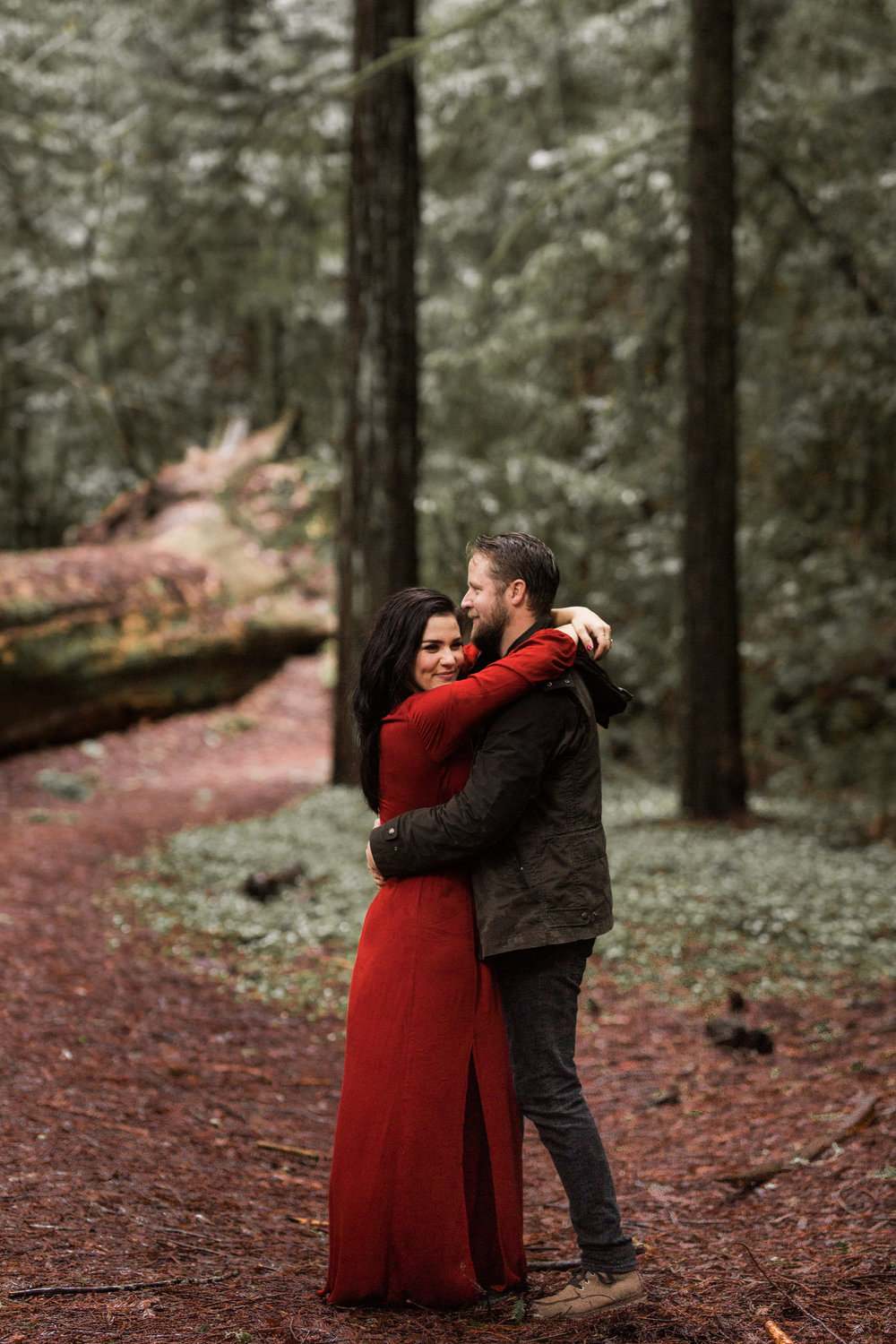nicole-daacke-photography-redwoods-national-park-forest-rainy-foggy-adventure-engagement-session-humboldt-county-old-growth-redwood-tree-elopement-intimate-wedding-photographer-43.jpg