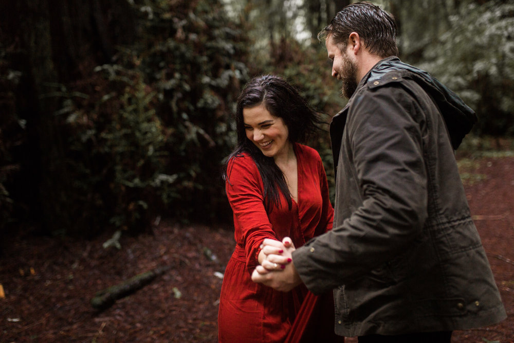 nicole-daacke-photography-redwoods-national-park-forest-rainy-foggy-adventure-engagement-session-humboldt-county-old-growth-redwood-tree-elopement-intimate-wedding-photographer-46.jpg