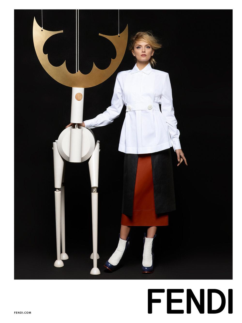 #fendi #karllagerfeld #fw15 #campaign #fashion #kendalljenner #lilydonaldson #charlottestockdale #amandaharlech #jimkaemmerling #peterphillips #sammcknight