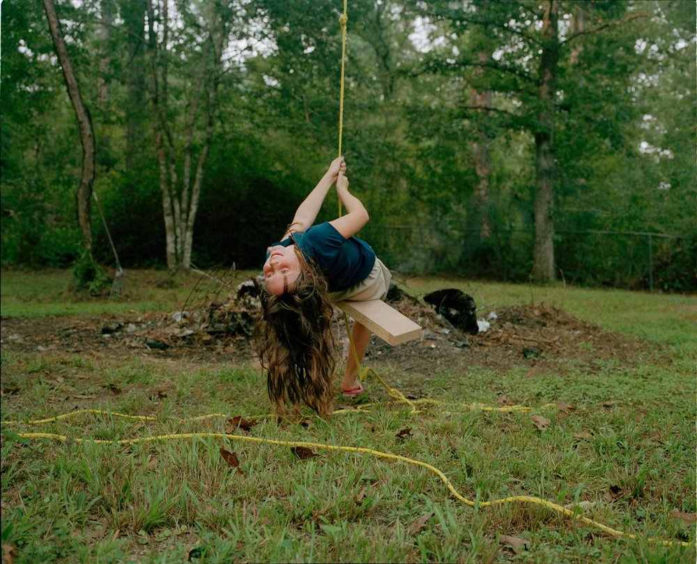 Shane Lavalette,  Kaylyn Swinging , 2010. Courtesy of the artist and the Robet Morat Galerie, Berlin.
