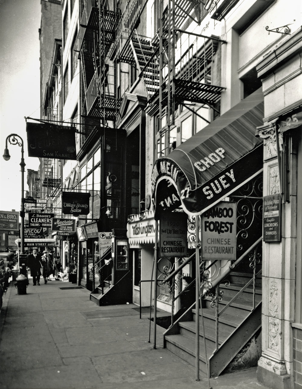 © Berenice Abbott, Mac Donegal Street New York City
