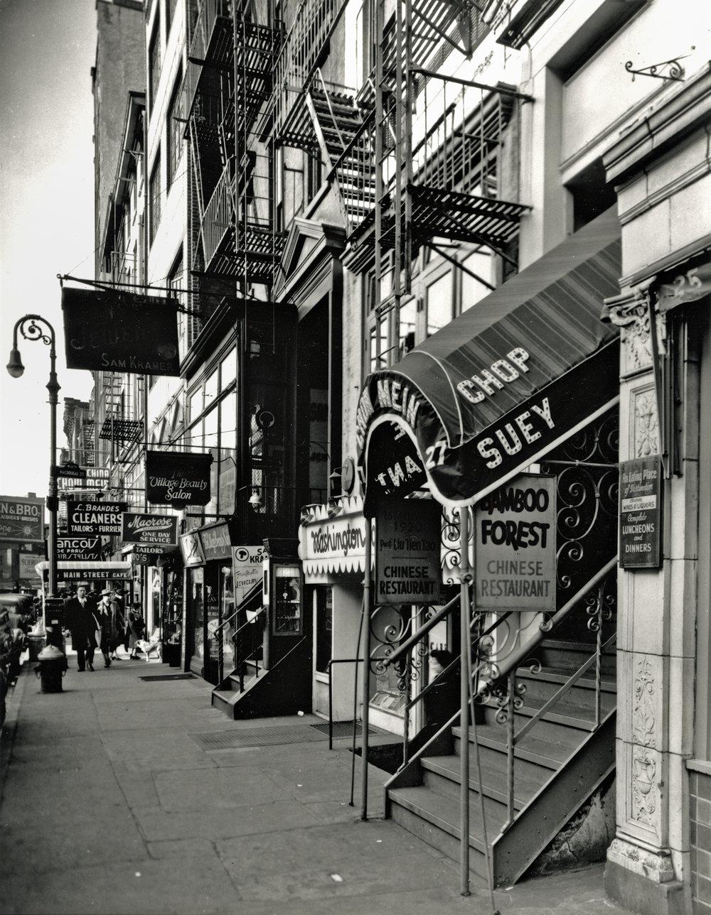 © Berenice Abbott, Mac Donegal Street New York City