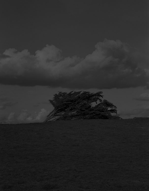 GR#12,  de la série La gravetat del lloc | Tirage argentique réalisé par l'artiste | Format de l'image 30x35cm | Edition 2/15 | Israel Ariño
