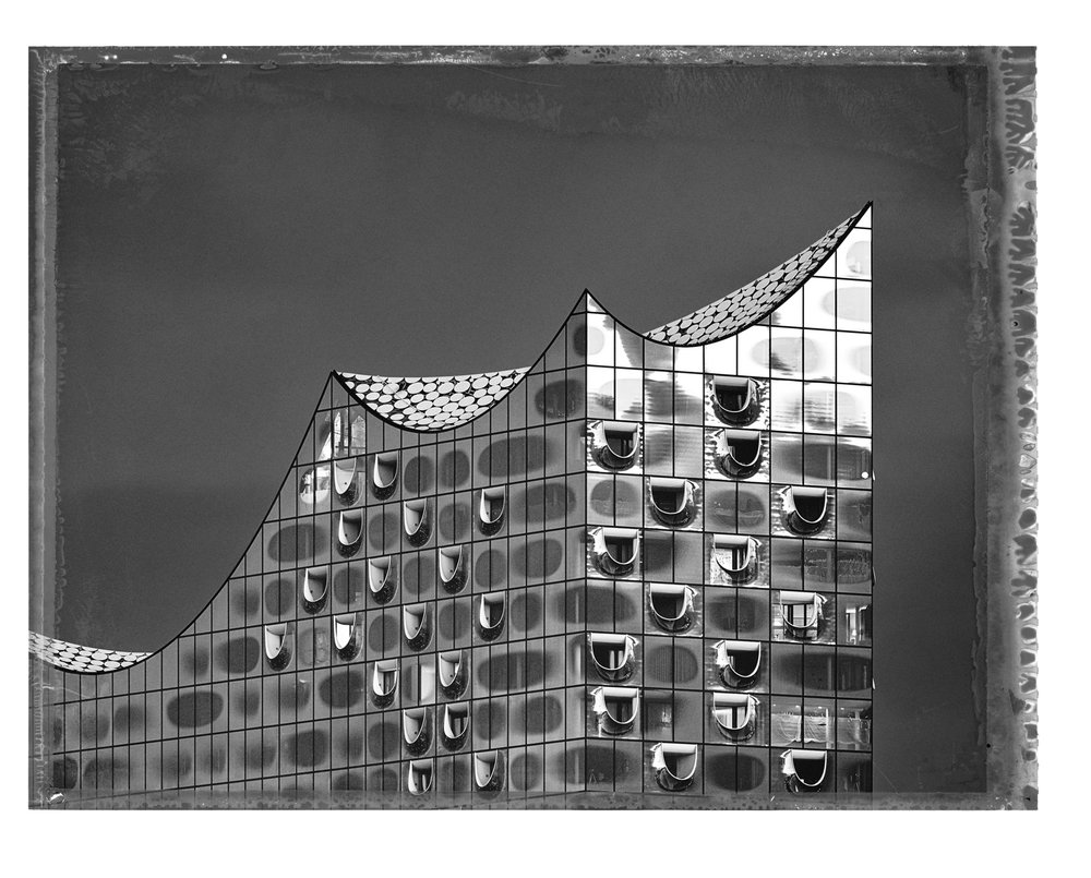 CT Elbphilharmonie 2018 Pigment-Print auf Büttenpapier, 56 x 76, Auflage 25 © and courtesy Persiehl & Heine Gallery for Photography
