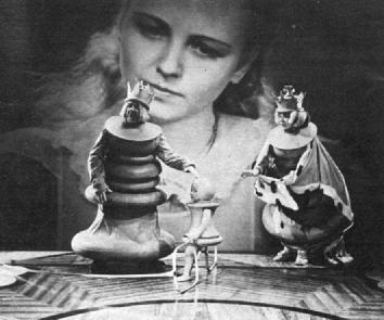 Fig. 4 -  Alice in Wonderland  (Norman Z. McCleod, 1933).