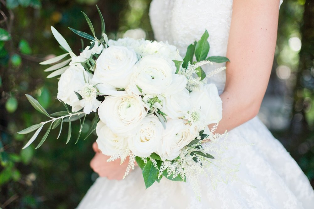 white wedding bouquet.jpg