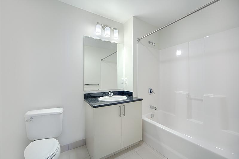 305_Bath02.jpg