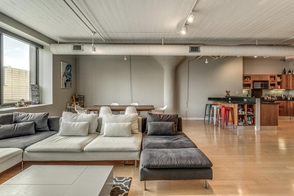 12_Living_Room-12.jpg