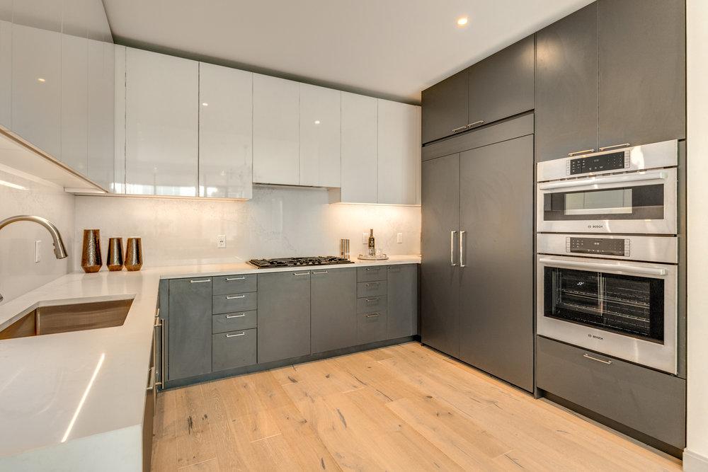 14_Kitchen-8.jpg