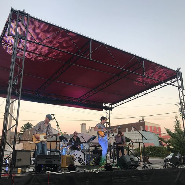 Ben Knight & The Welldiggers & Ken Haynes' Clipboard.  @woodencaskbrewery  #woodencaskbrewing #rhythmbrewfest #bkwd #BenKnightandtheClipboards