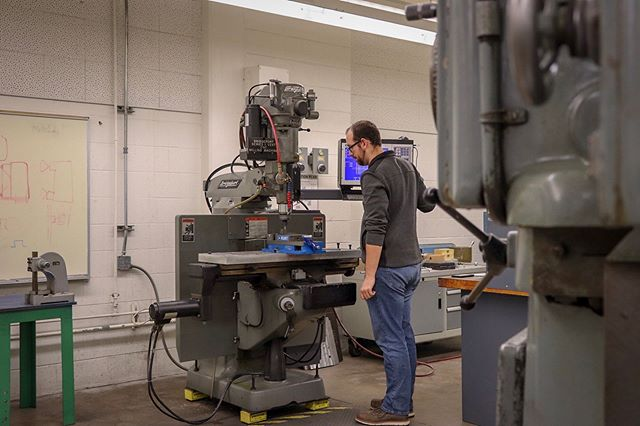 Some team members are hard at work on a Friday in the machine shop manufacturing parts for the 2019 car. Happy new year, everybody!