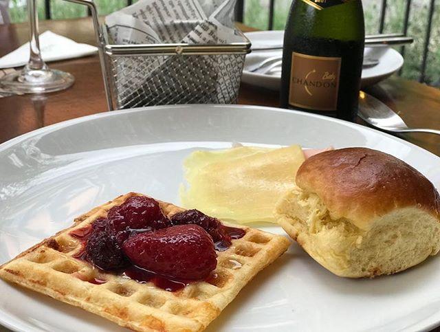 Waffle de pão de queijo! Tem no #Brunch aos sábados 🙌🏼