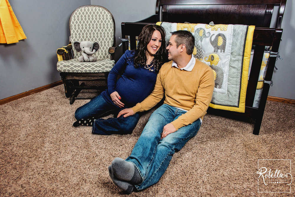Rotella Photography - maternity pictures in nursery